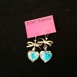 Betsey Johnson LUCITE HEART EARRINGS
